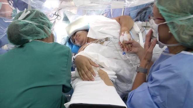zentauroepp42618912 operacion de epilepsia de gara castro en un quirofano del ho180324102335