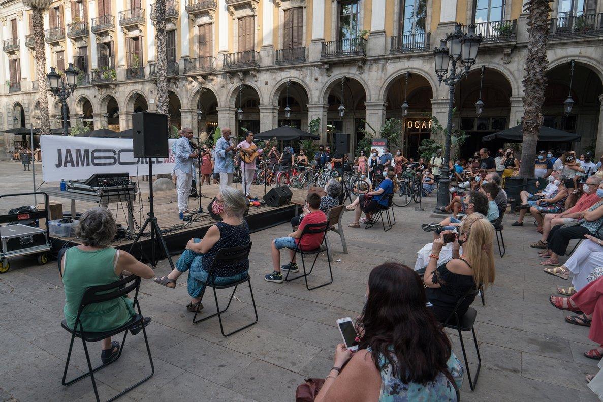 El Jamboree continua oferint concerts gratuïts a la plaça Reial