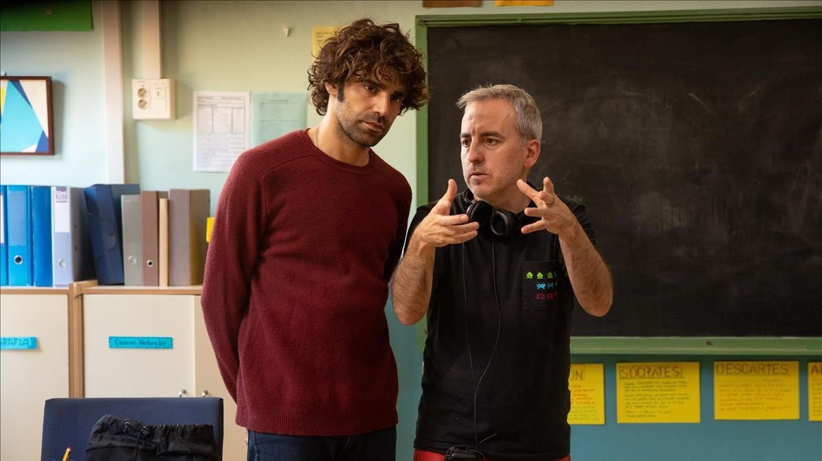 El actor David Verdaguer (izquierda) y el cineasta David Ilundain, durante el rodaje, en Arenys de Munt.