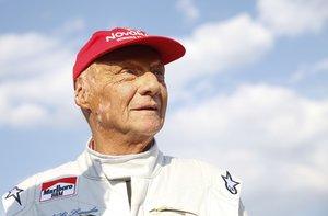 Lauda se coronó campeón del mundo por primera vez en 1975.