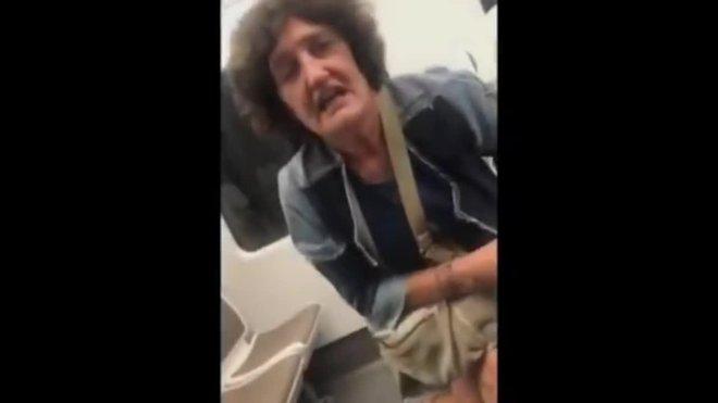 El pasado 1 de julio sobre las 21:40, en un tren dirección Bilbao (Vizcaya), tuvo lugar otra agresión racista por parte de una mujer hacia unos jóvenes que ya se encontraban allí cuando ella subió.