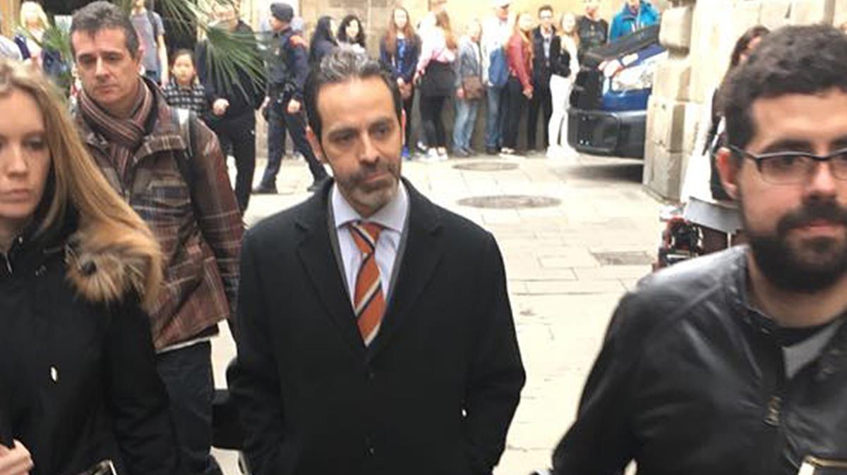 Antoni Molons ha sido trasladado al Palau de la Generalitat, tras su detención esta mañana.