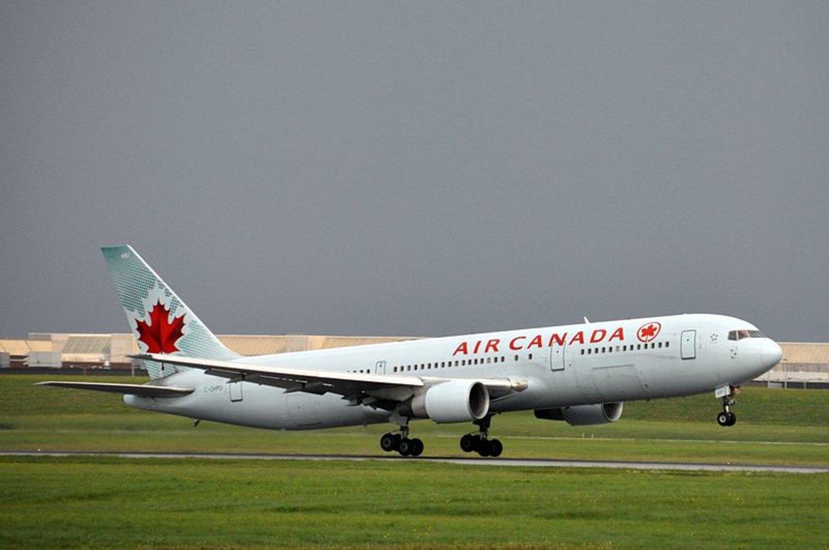 Un Boeing 767 de Air Canadá, el modeloque vuela sobre Barajas.