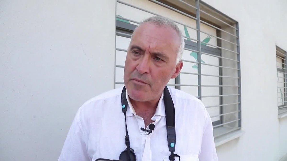 Alejandro Onrubia, científico de la Fundación Migres, en Tarifa, dice; que el cambio climático modifica la migración de aves por el Estrecho de Gibraltar.