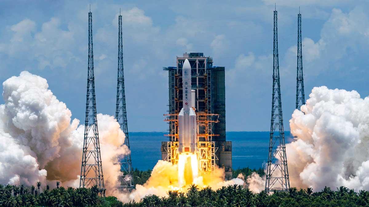 China lanza su primera misión a Marte