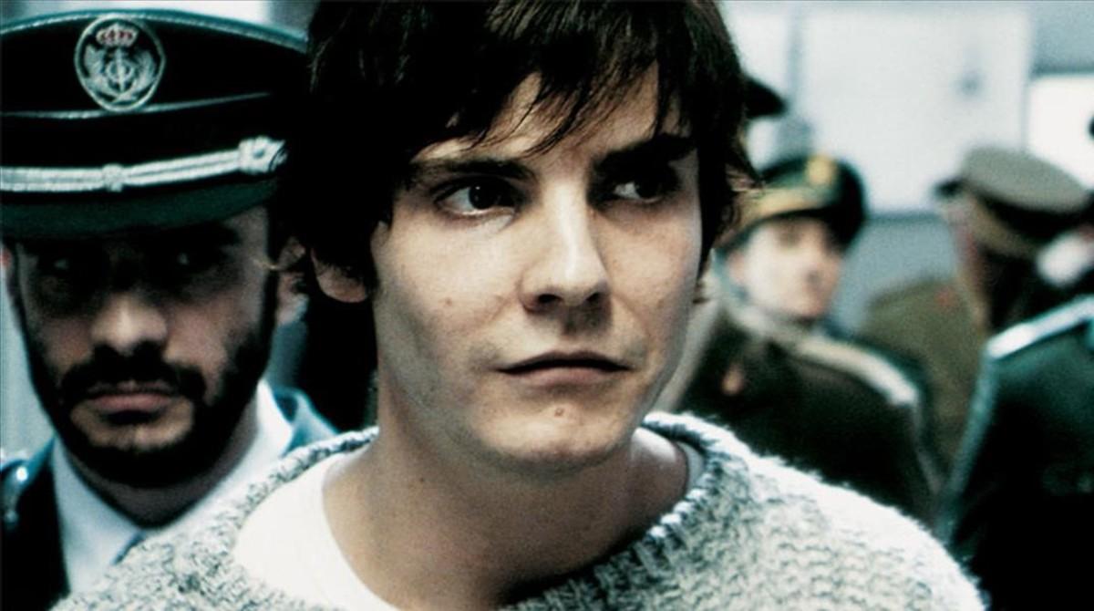 Daniel Brühl, en la película Salvador (Puig Antich).