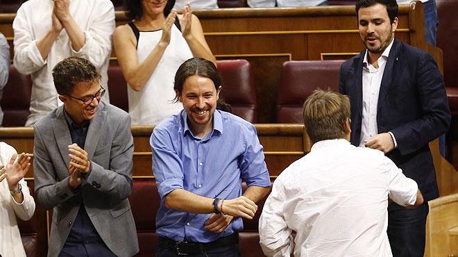 Debate de investidura de Rajoy. Iglesias, a Rajoy: Su partido lo fundaron ministros de una dictadura.