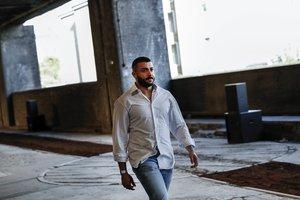 El diseñador Khalid Al Qasimi, durante la London Fashion Week Men's de Londres, el pasado mes de junio.