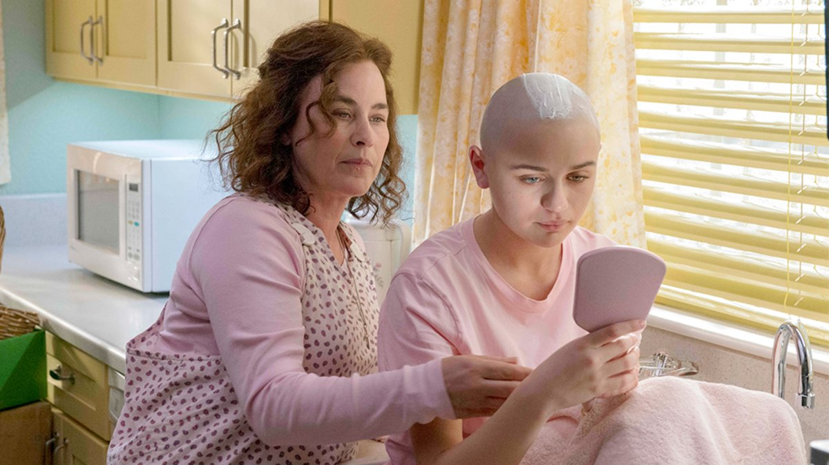 The Act --   -- Dee Dee Blanchard (Patricia Arquette), Gypsy Rose Blanchard (Joey King) shown. (Photo by: Brownie Harris / Hulu)