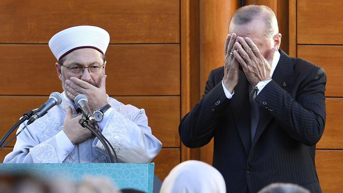 Erdogan inaugura en Colonia la mayor mezquita de Alemania.