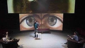 Escena de 'La Revelació 1.0', en el Tantarantana.