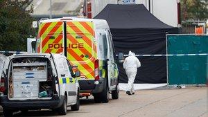 La policía británica halla 39 cadáveres en un camión en Essex.