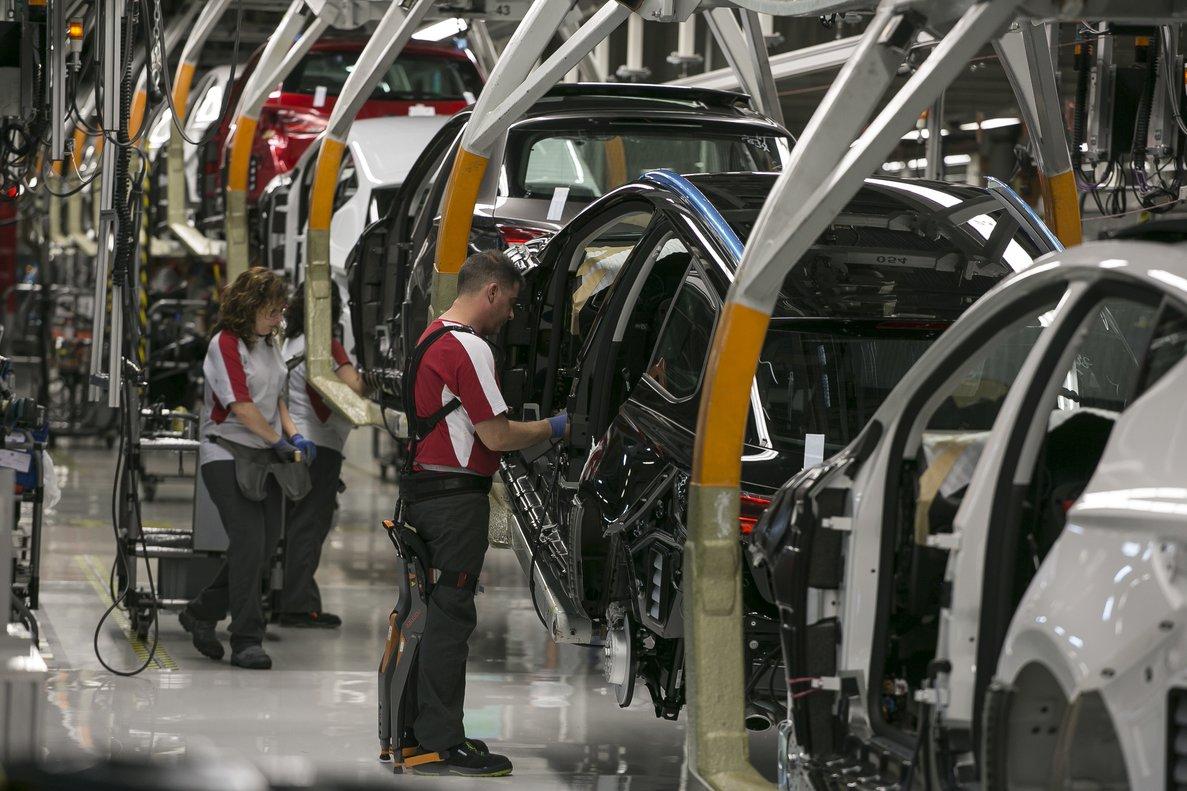 Cadena de montaje del coche Seat Ibiza en la fábrica de Martorell.