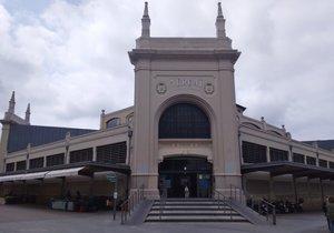 Fachada del Mercat Central de Sabadell.
