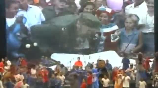 El exmandatario cubano acudió junto a su hermano y a Maduro a un acto de homenaje por su aniversario