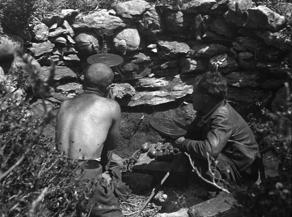 Foto de Boix de soldados republicanos en una trinchera durante la guerra civil.