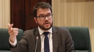 Aragonès en la comisión de Economía del Parlament.