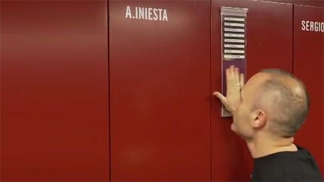 El vídeo d'Iniesta buidant la taquilla al vestidor del Camp Nou