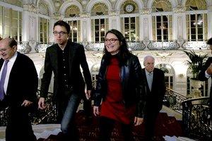 Mónica Oltra con Inigo Errejonesta mañana en el Casino de Madrid en los desayunos de Nueva Economía.