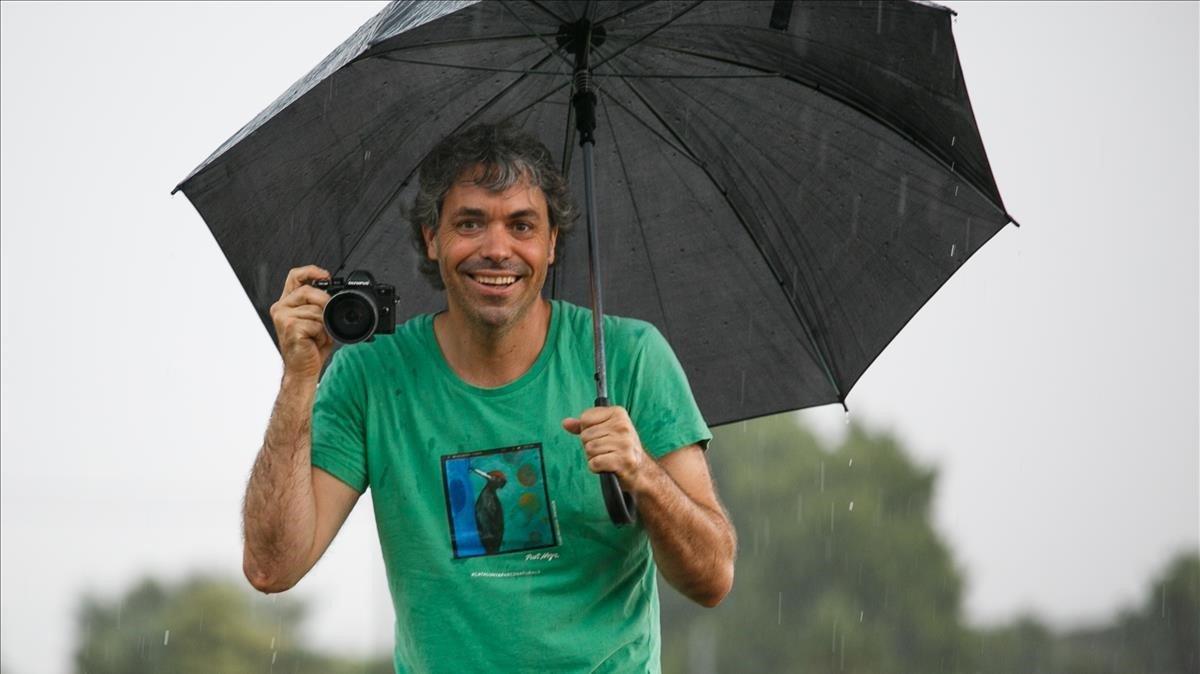 Jordi Rodoreda, durante una tormenta en las Franqueses del Vallès.