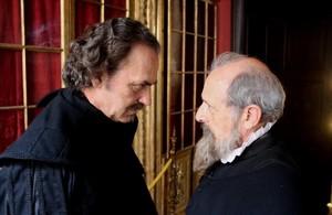 JoseCoronado y Emilio Gutiérrez Caba, en una secuencia de 'Cervantes contra Lope', el telefilme de TVE.