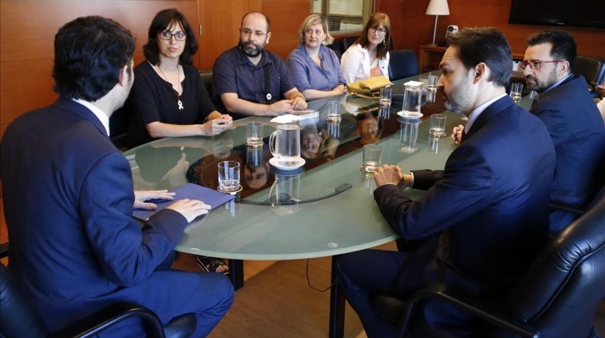 El conseller Jordi Puigneró en la reunión con los responsables de Adic esta mañana