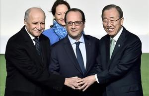 Laurent Fabius, Ségolène Royal, François Hollande y Ban Ki-moon, durante la jornada inaugural de la COP21 en París.