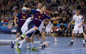 El Barça reforça el seu lideratge europeu amb un recital davant del Vardar