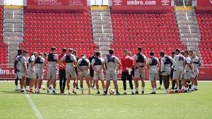 Los jugadores del Mallorca, durante el entrenamiento del martes 18 de junio.