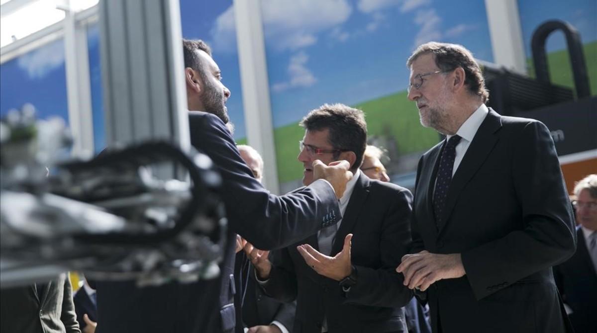 Mariano Rajoy, este martes, durante la visita a la empresa Tecnalia en San Sebastián.