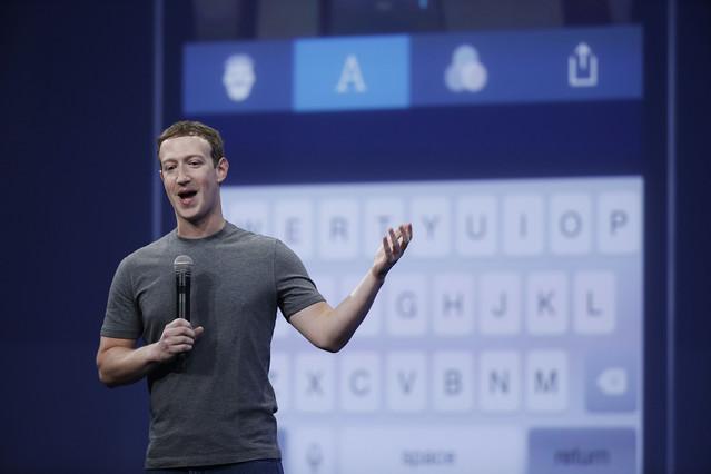 Mark Zuckerberg hablando sobre la aplicación deMessenger durante elFacebook F8 Developer Conference en San Francisco, en marzo del 2015.