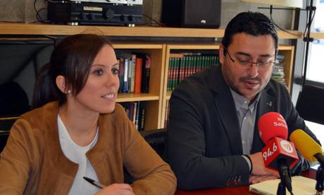 Marta Farrés anunciant aquest dimecres la seva candidatura a les primàries del PSC amb Joan Carles Sánchez.
