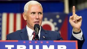 Mike Pence habla durante un acto electoral en Rossford (Ohio).