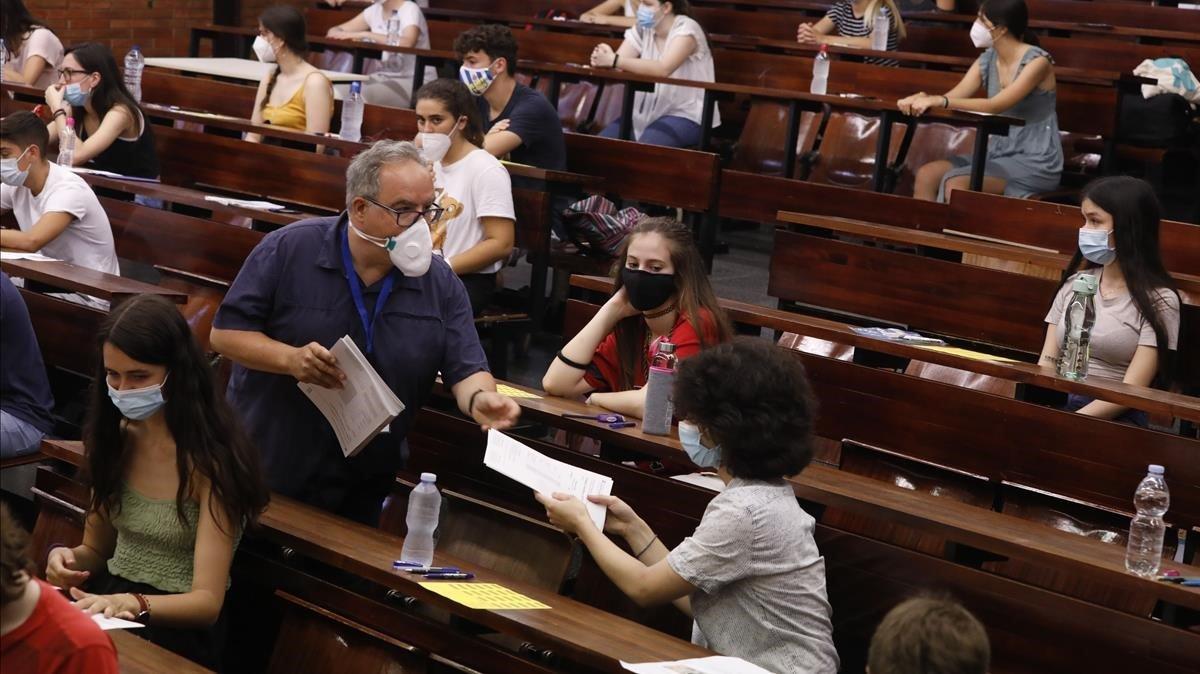Primer día de las puebas de acceso a la universidad realizadas en la Universitat de Barcelona, el pasado día 7.