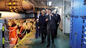 Putin, junto a Alexei Miller, jefe ejecutivo de la principal empresa de hidracarburos Gazprom, inspeccionado un proyecto de gaseoducto en el mar Negro.