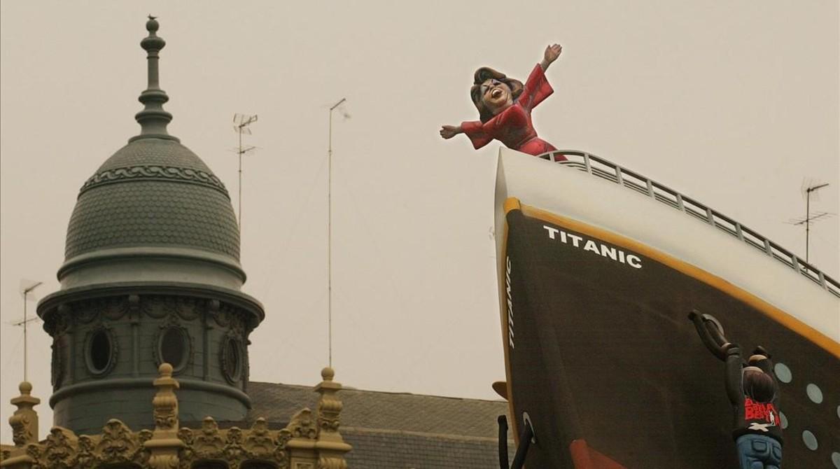 El 'ninot' deRita Barberá, a bordo del 'Titanic', en el 2004.