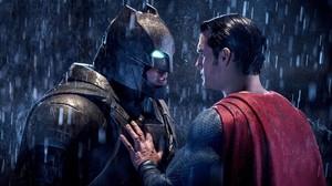 Ben Affleck y Henry Cavill, en una imagen de 'Batman v Superman: el amanecer de la justicia'.