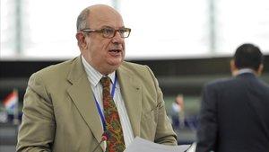 Santiago Fisas durante una sesión parlamentaria en Estrasburgo