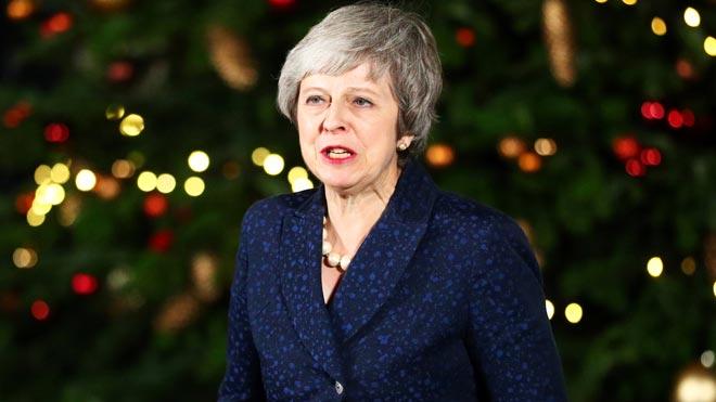 Theresa May sobrevive a la moción de confianza.