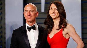 Jeff y Mackenzie Bezos en una fiesta en los Oscar en marzo del 2018.