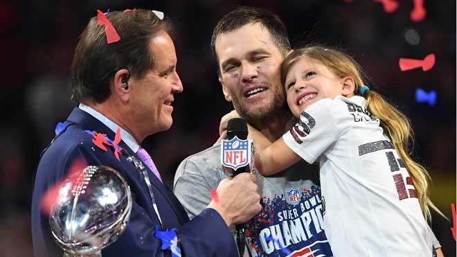 Victoria de los Patriots en la final de la Super Bowl. En la foto, Tom Brady celebra el resultado.