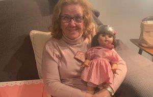 L'emocionant reacció d'una àvia al rebre la Marieta Pérez amb què somia des de fa 71 anys