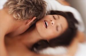 Morir practicando sexo en un viaje de negocios es un accidente laboral