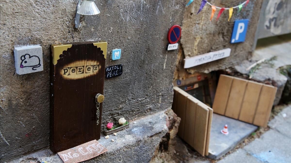 La pequeña casa de Ratoncito Pérez, enla calle del Taquígraf Garriga, 23.