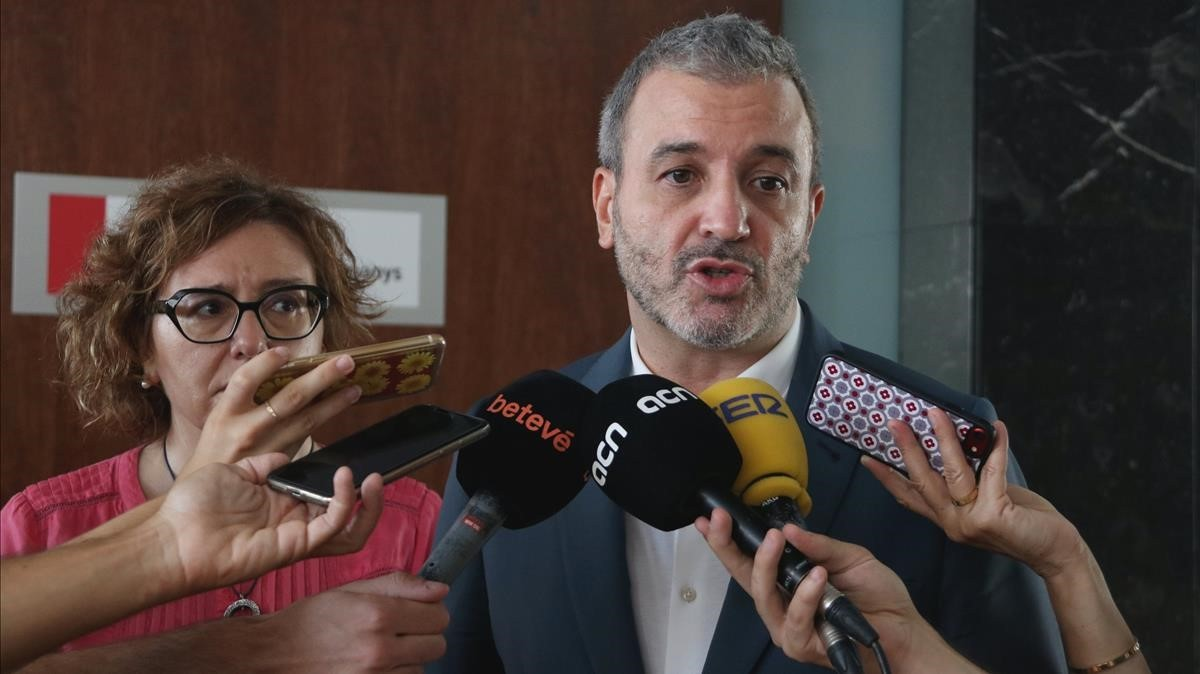 El govern de Colau descarta les retallades que augura Collboni