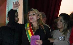 L'opositora Áñez, nova presidenta interina de Bolívia