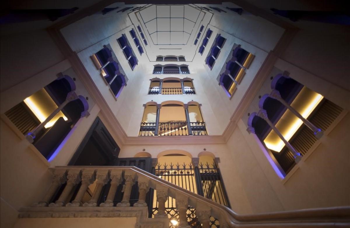 Hoteles de gran lujo y 5 estrellas ganan alojamiento en for Hoteles gran lujo madrid