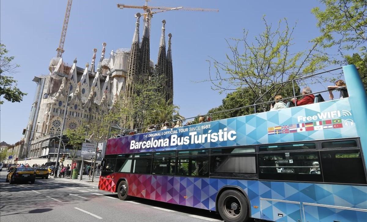 crecen las visitas a barcelona y se dispara el turismo por su entorno