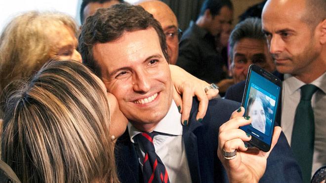 Casado proposa una «llei de llengües» que relega l'ús del català a opcional