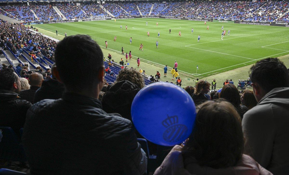 Partido de la Primera División femenina en el estadio del Espanyol.